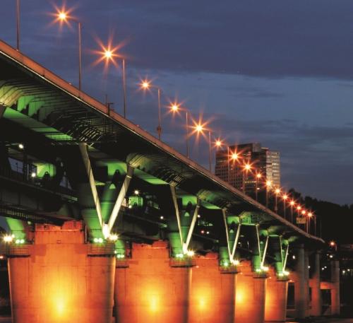 某桥梁亮化工程案例